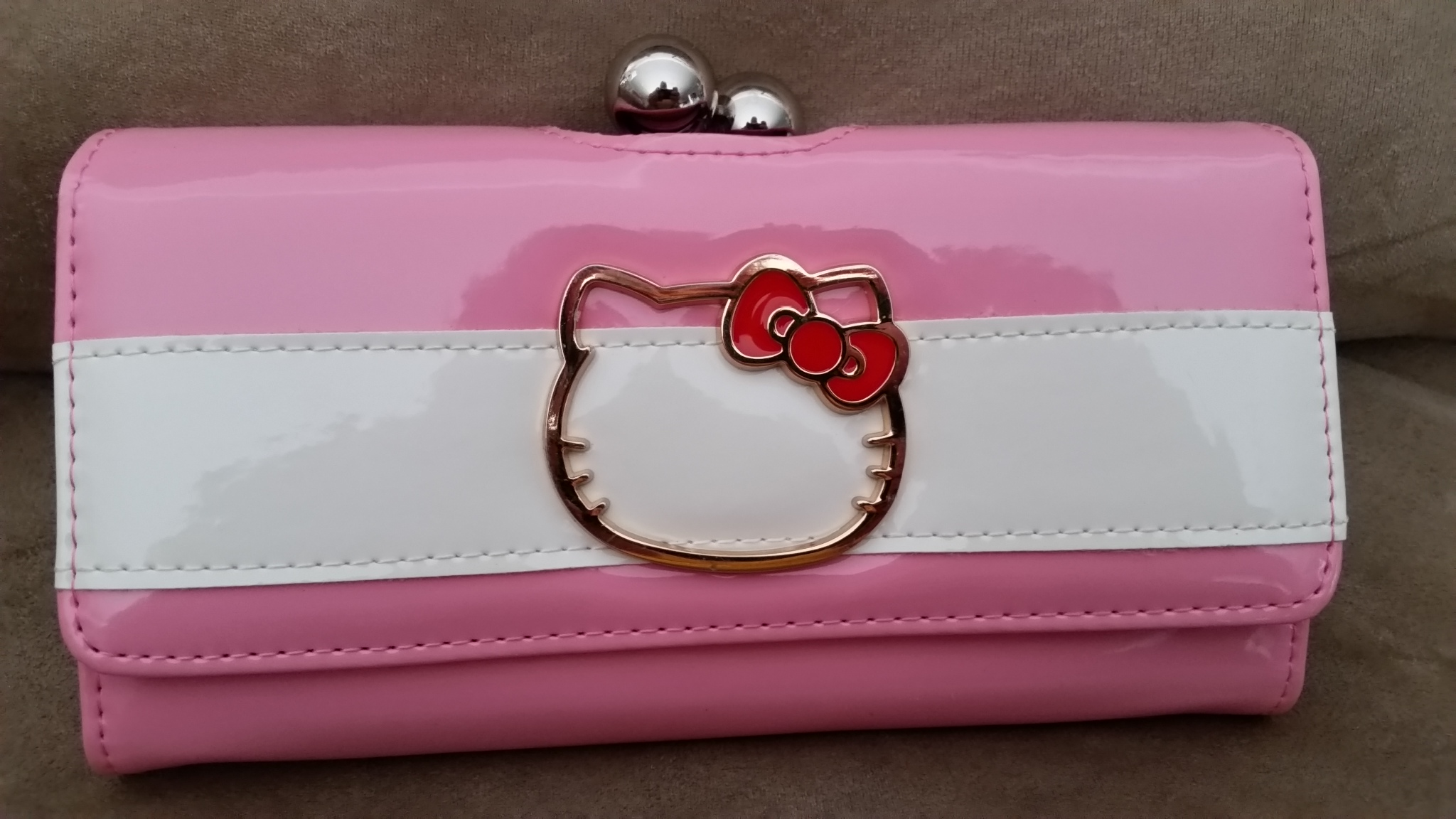 3ecfee5c5 Details about HELLO KITTY PINK PREMIUM CLASP WALLET Brand New 7